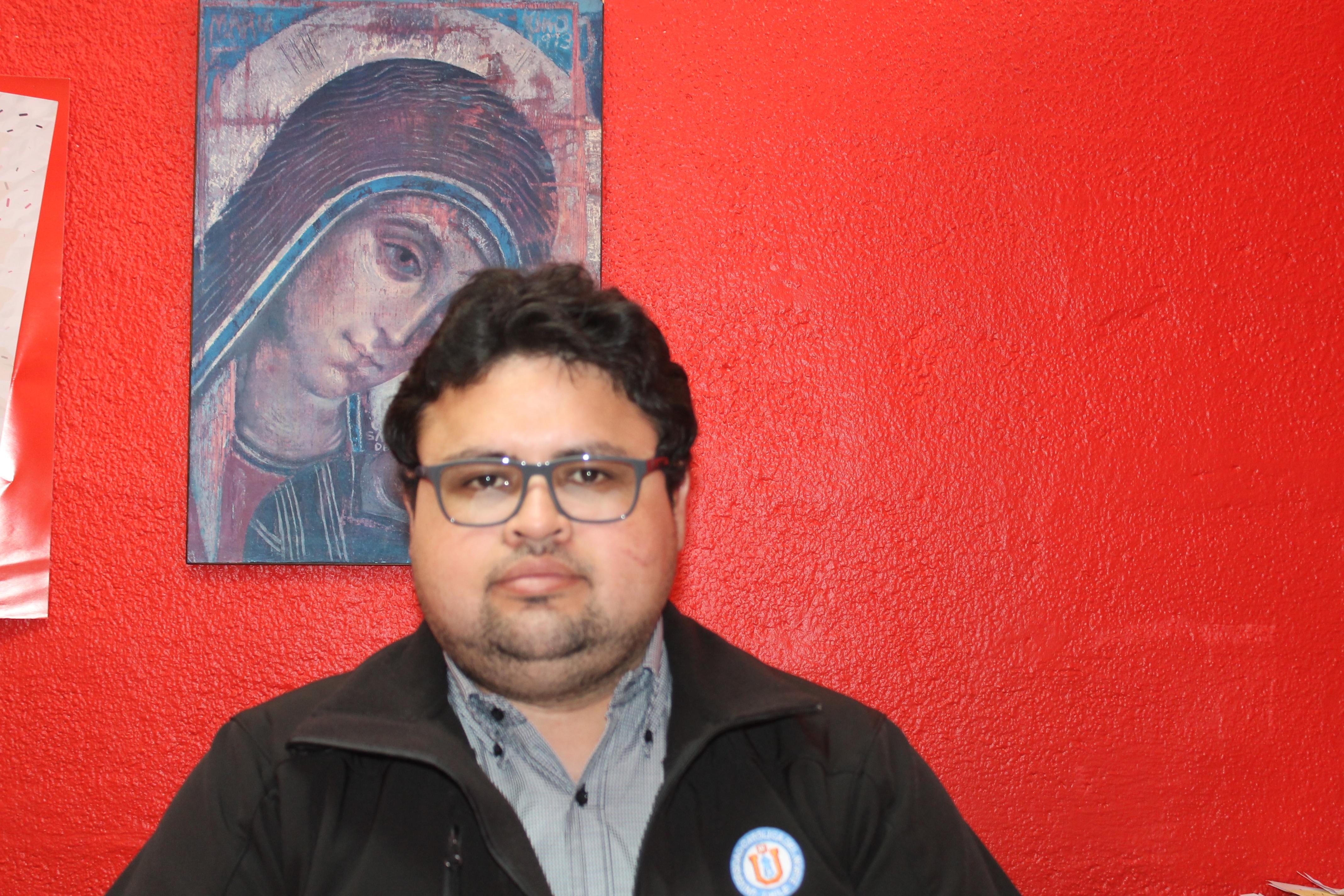 """Hector León Campillay, coordinador Pastoral UCN: """"Lo que buscamos es que los jóvenes conozcan la trascendencia"""""""